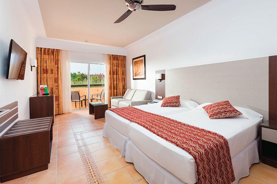 Riu Hotels Resorts Reviews